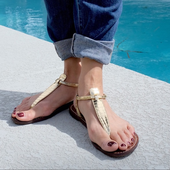 72cb412a9cc6 Sam Edelman Gigi Gold Boa Print Sandals. M 56f9e482680278984d0075d2