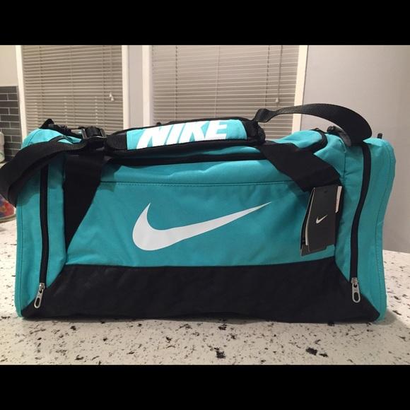 Alienación Paquete o empaquetar veterano  Nike Bags | New Post Brasilia 6 Med Sport Duffel Bag | Poshmark