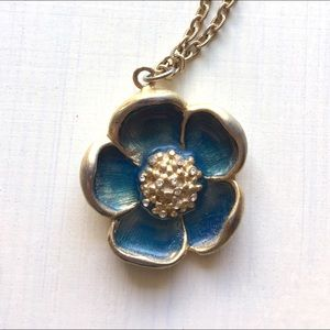 Flower necklace with rhinestones. 