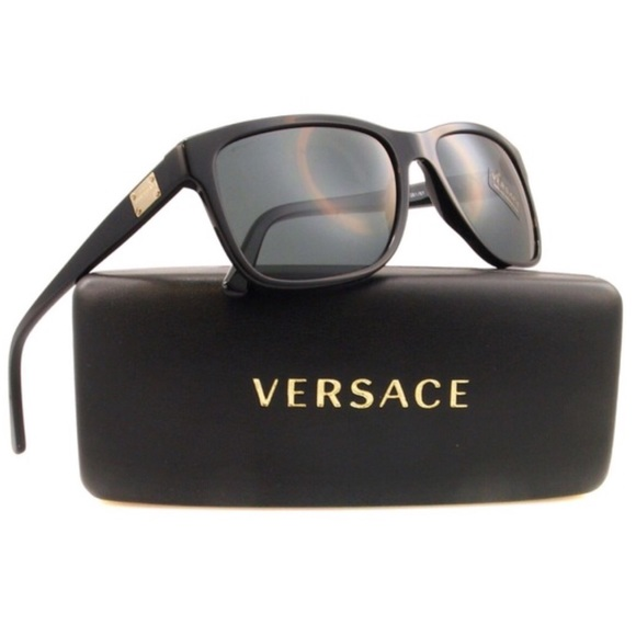 d35540977cb6 Versace polarized Gianni sunglasses. M 57133c587fab3a94e404d676. Other  Accessories ...