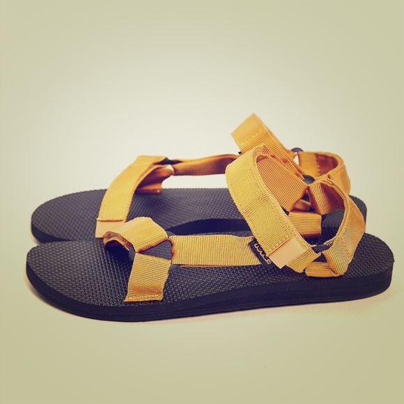 cdde4fd1864 Teva original universal sandal Men 9. M 56fa03339818297be800dd02