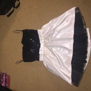 BETSY JOHNSON strapless short party dress!