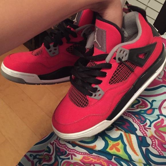 48e46384b57da Jordan Shoes - toro bravos Jordan 4s   roshes