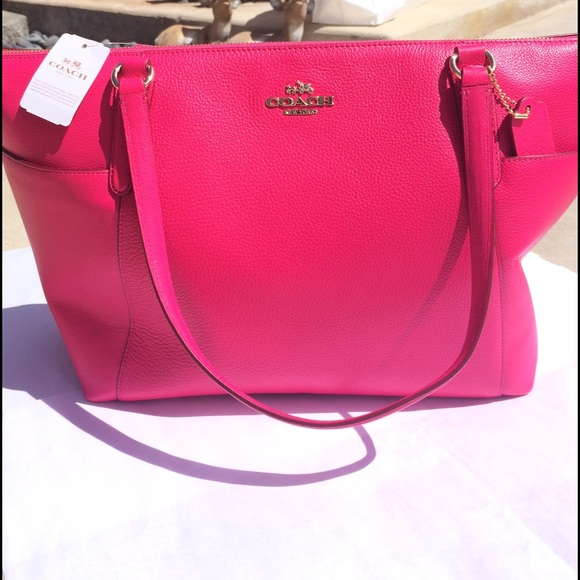 Sale! Host pick Authentic Coach pink purse nwt 1b2d08a4fa8f5