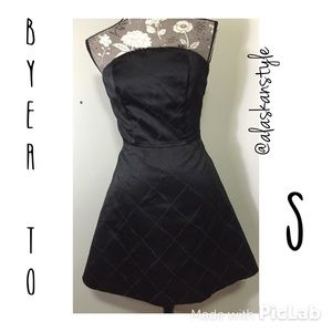 A. Byer Dresses & Skirts - Stunning fit & flare strapless LBD XS-S