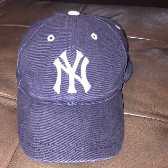 Toddler size 2-4 New York Yankees Hat 07363fb16cd3