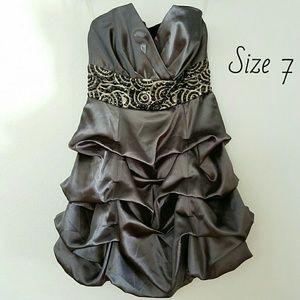 Trixxi Dresses & Skirts - Trixxi Pewter Gray Bubble Dress, Beaded Waist Sz 7