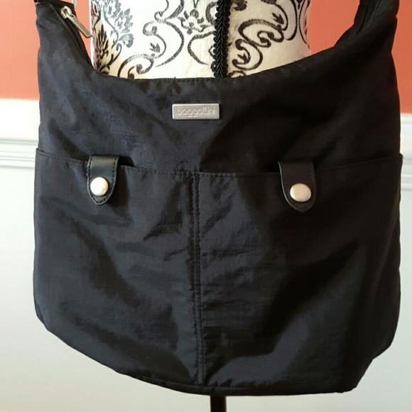 e03e04f01b Baggallini Handbags - Large Baggallini Crossbody bag pocketbook purse