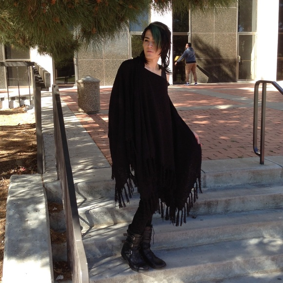 Rue 21 Sweaters - Fringe Long Oversized Sweater Poncho Gothic Black
