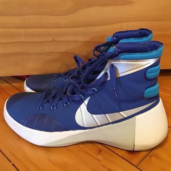2015 Nike Hyperdunk Basketball shoes (mens size). M 56fae766c6c795406500b8d9 d99966a28a