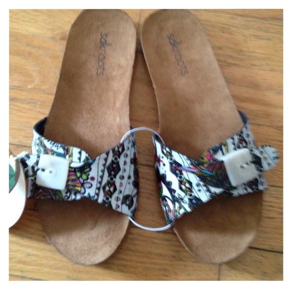 $10 SALE Sakroots sandals