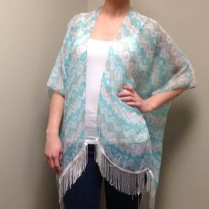 Accessories - NWT, OSFA Fringe Bottom Kimono