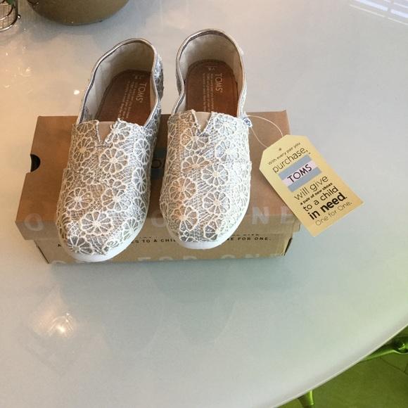 Toms Shoes Size 7 New Silver Crochet Glitter Nib Poshmark