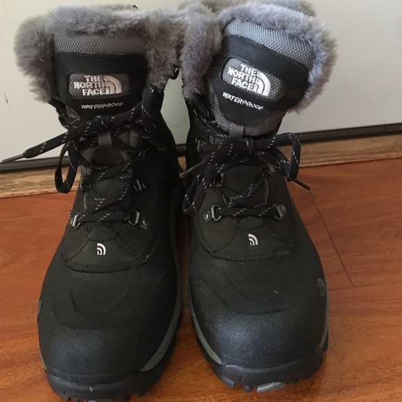 81% off North Face Shoes - North Face Womens size 10 snow boots ...