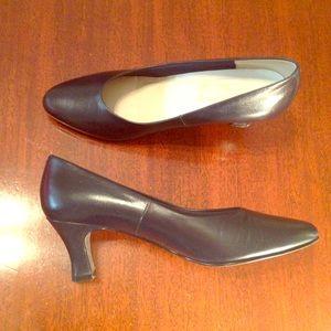 925 So Soft Navy Heels