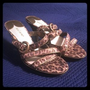 Daisy Fuentes Shoes - Leopard print heels🎉PRICE DROPPED🎉
