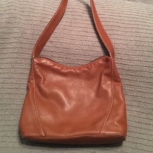 Fossil brown leather shoulder bag!