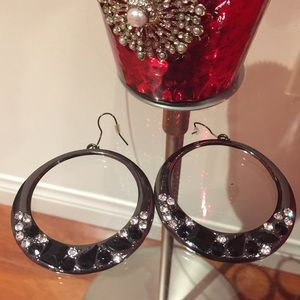 Black stone hoop earrings