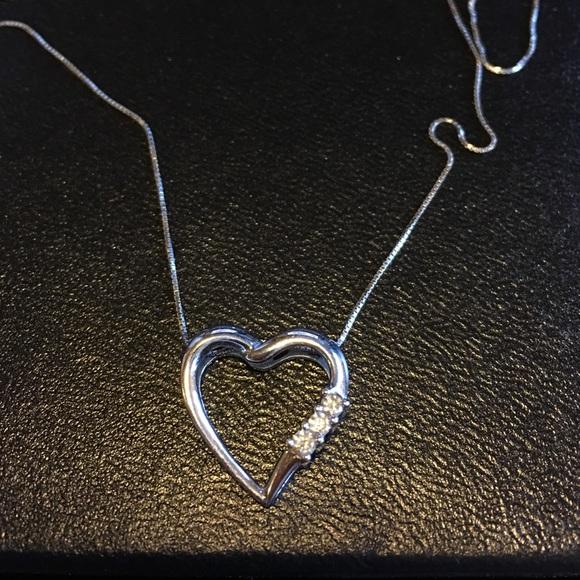 1134a50de0adb 14 ct white gold heart necklace with diamonds