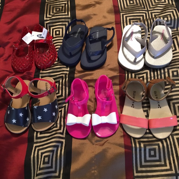 82% off Old Navy Other - Old navy toddler girls sandals size 6 ...