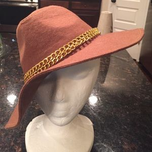 Hat by guess👍 Nwot