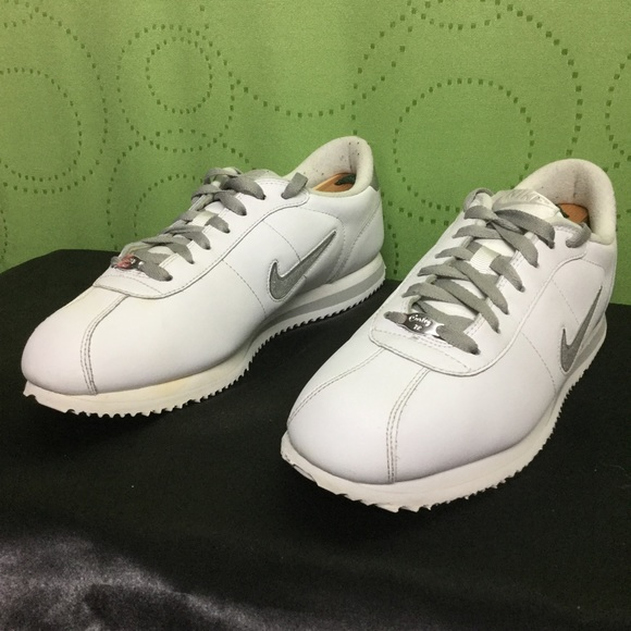 NIKE CORTEZ Basic Leather white/silver . mEns 10.5