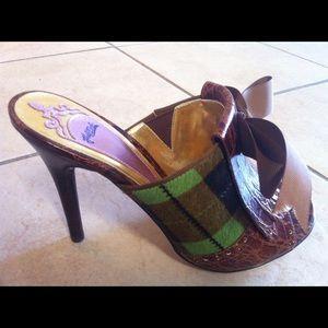 Hale Bob Shoes - Hale Bob Open Toe Grn Plaid Faux Fur Pump Sz 6.5M