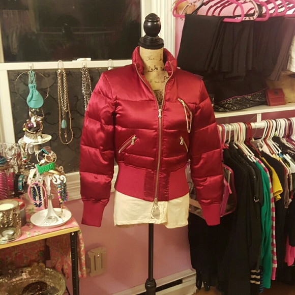 Red dress express quilted