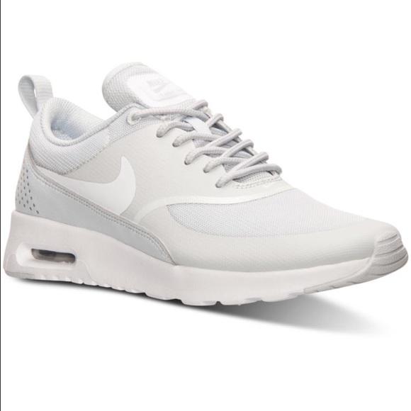 New Women's Nike Air Max Thea Silver & White NWT 8