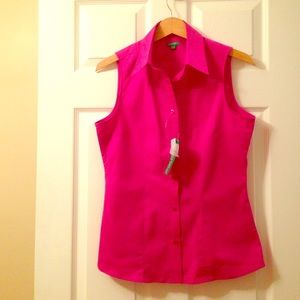 New with Tags Sleeveless Button Down Blouse