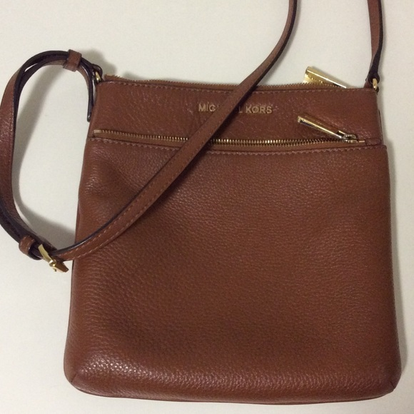 93abd178ac3 Michael Kors Small Riley Crossbody. M 56fb408c5a49d0ff1c017d6d
