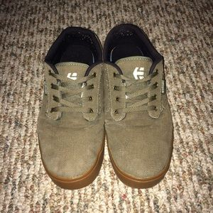 Etnies Other - ETNIES JAMESON2 SIZE 9