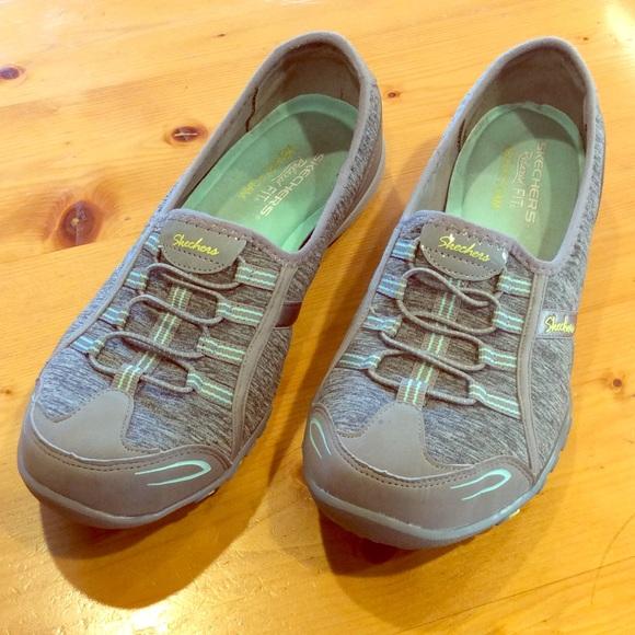 Skechers Shoes | Memory Foam Walkers