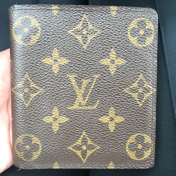 e589bd2e7347 Authentic Louis Vuitton Wallet For Man