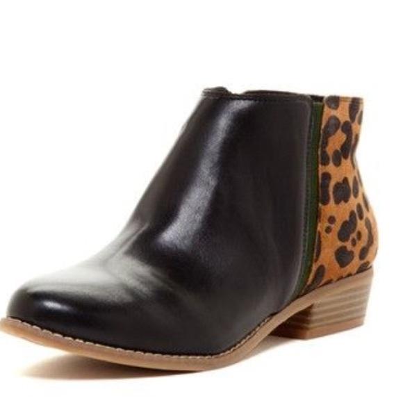 9bc54e5fcfca Dolce Vita Shoes - Dolce Vita leopard booties