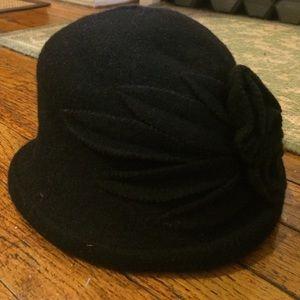 Brooklyn Industries Accessories - Brooklyn Industries wool flower hat