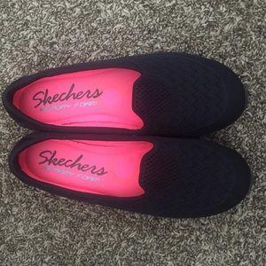 Non-Slip Skechers Sneakers **BNWOT