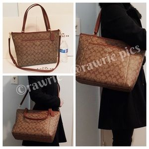 New Coach signature tote with shoulder strap