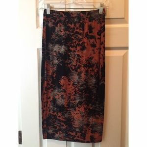 ⛔️🌟Abstract Midi Skirt!🌟⛔️
