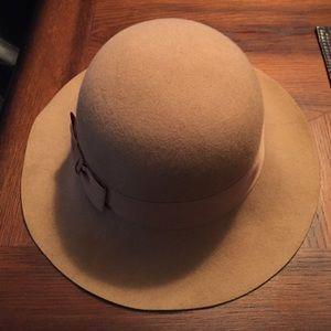 Camel brim hat