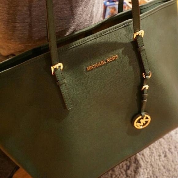 a272c57e9c94 dark green michael kors bag Sale,up to 64% Discounts