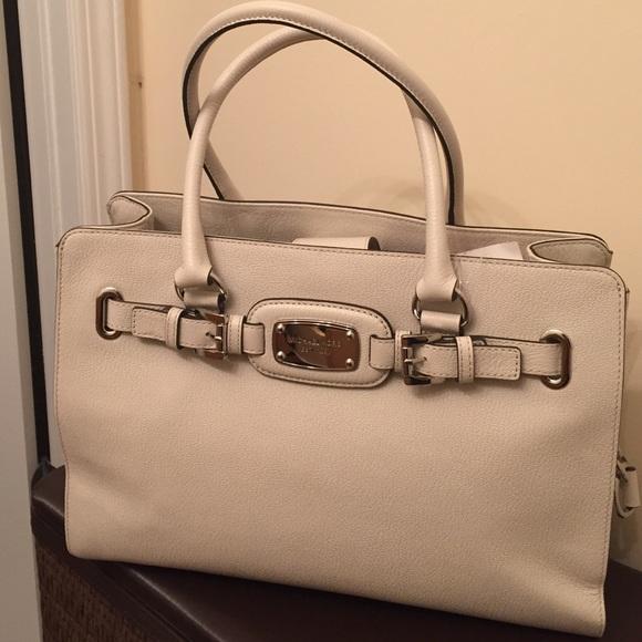 954b4b7049dd Michael Kors Bags | Hamilton Large Ew Leather Tote | Poshmark