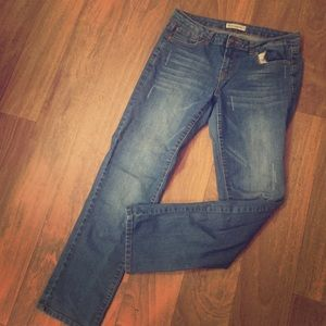Size 9/11 cropped light wash jeans