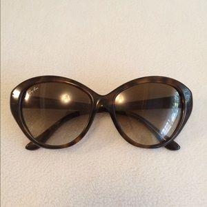 79b11e88aa Ray-Ban Accessories - Vintage Ray Ban cat eye sunglasses