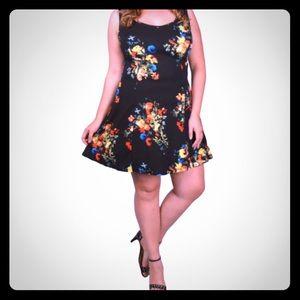Dresses & Skirts - ✨SALE✨ NWT ✨ Plus Size Black Floral Dress