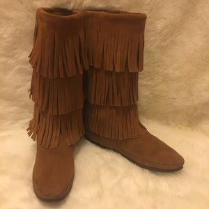 Minnetonka Shoes - Minnetonka Triple Layers Fringe Boots