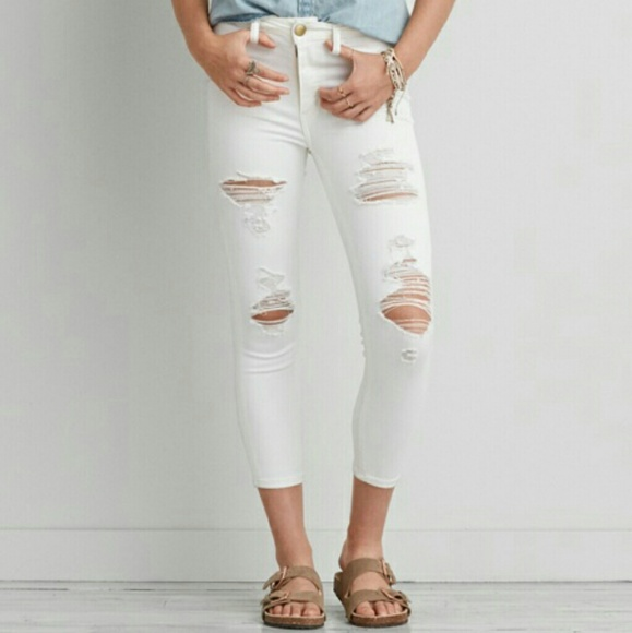 5c151cbec29 American Eagle Outfitters Denim - AE jegging crop white distressed jeans sz  4
