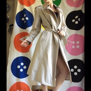 [London Fog] Perfect Beige Trench Coat Sleek Sexy