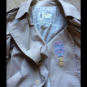London Fog Jackets & Coats - SALE‼️ Perfect Beige Trench Coat Sleek Sexy
