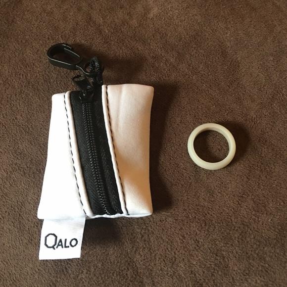 57 off Qalo Jewelry Glow In The Dark Silicone Wedding Ring 6 Poshmark